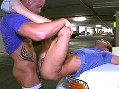 Muscle man fuck his friend