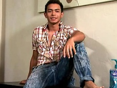 College Dudes - Cristian Ray Busts A Nut