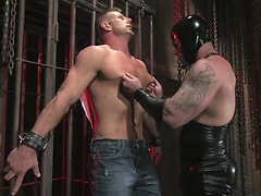 Muscled master fuck his gay slave