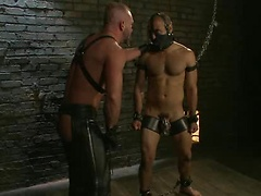 Master ties his slave and fuck