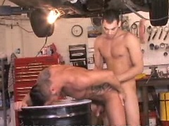 Two sexy gay muscle-boys Justin Christopher and Martin Mazza fucking