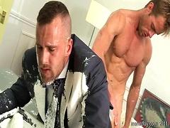 Muscle men Ben Brown and Neil Stevens fucking