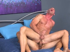 Muscle studs Isaiah and Patrick fuck