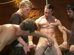 Muscular sub is treated like garbage at a dungeon party