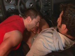 Muscle hunk fucked in a car