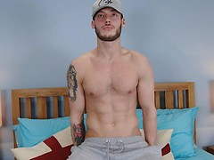 Straight & Athletic Hunk Will Pumps his Hole with 2 Dildos