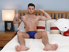 Straight Hottie Carlos gets Manhandled for the 1st Time Ever