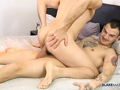 His Hole Gets Owned By Desmond - Joel Someone & Desmond Cooper