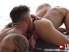 Adam Killian and Ruslan Angelo fuck bareback
