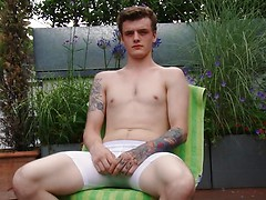 Straight Young Boxer Kieran Wanks his Thick Uncut Cock & Shoots his Load!