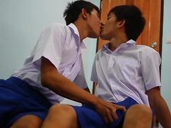 Schoolboy Piss Play