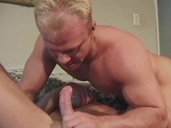 Hunky men gives sweet blowjob!
