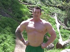 Vaughn - pro bodybuilder strokes dick