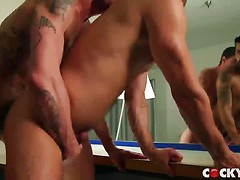 Adam Ramzi Fucks Justin Brody