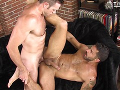 2 Men Kiss: Alex Mecum and Adam Ramzi